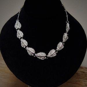 Vintage Silver-Tone Leaf Link Choker Necklace